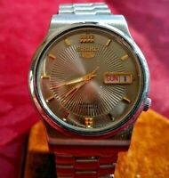 VINTAGE SEIKO 5 MEN'S WATCH - Silver Dial - MECHANICAL - AUTOMATIC - DAY DATE