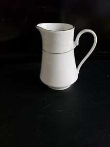 "CROWN MING FINE CHINA  ROYAL PALM 1134 China 4 5/8"" H CREAMER.  EXCELLENT"