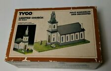 Tyco HO Scale Lighted Church #941 Used Original Box, people and bench