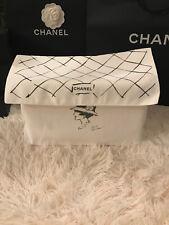 Authentique sac à poussière Chanel Karl Lagerfeld 34x19x10