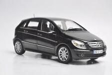 Mercedes-Benz B 200 car model in scale 1:18 black