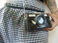 Sac à main minaudière forme appareil photos vintage original rétro pin-up