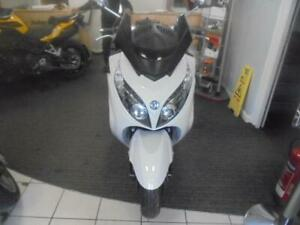 SYM MAXSYM 400I 2013 IN WHITE ONE OWNER ONLY 2980 MILES
