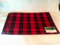 """Lot of 6 Holiday Plaid Christmas Place Mats, 18"""" X  13""""   3  of 6 are NEW"""
