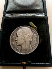 SILVERED BRONZE ART DECO MEDAL BY MORLON - FRENCH REPUBLIC WITH BOX 36 mm N140