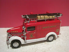 MATCHBOX models of yesteryear SUPERBE VEHICULE POMPIERS GMC RESCUE SQUAD VAN1937