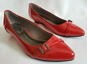 LIFE STRIDE Soft System Red Patent Leather Look Buckle Toe Low Wedge Flats 6 M