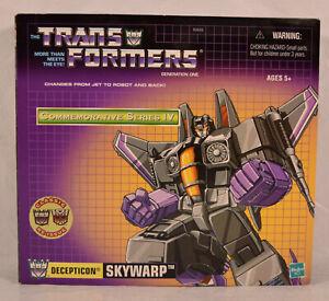 Transformers Commemorative Series Reissue Skywarp CIB 2002