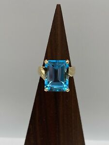 Solid 14k Gold Ring with Blue Topaz