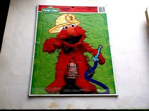 SESAME STREET FIREMAN ELMO FRAME TRAY PUZZLE 1997 GOLDEN BOOKS