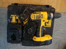 Dewalt- DC725 -18 -Volt Combi Hammer -Drill-Driver and2 x Batteries Charger Case