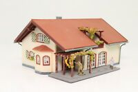 Spur N Wohnhaus Einfamilienhaus Villa mit Figuren sehr schön fertig aufgebaut