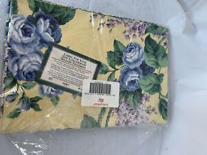 "Longaberger New Lined Valance Lilac Rose 64"" W x 17.5"" L"