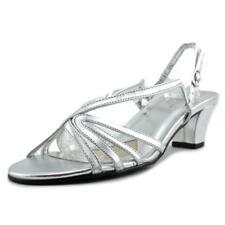 Sandalias y chanclas de mujer de tacón medio (2,5-7,5 cm) de color principal plata de piel