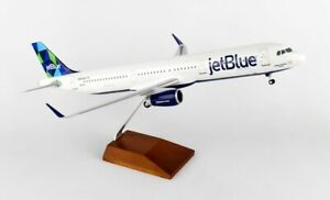Skymarks Supreme JETBLUE Airbus A321 1/100 PRISM W/WOOD STAND & GEAR SKR8321