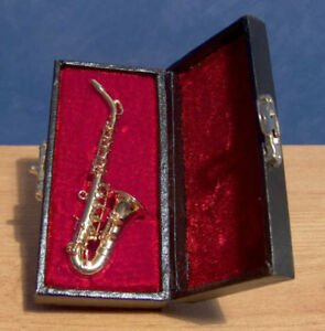 Miniature Saxophone Musical Instrument Ornament Musical Boxed dolls house LGW