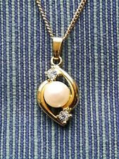 Simulated pearl Rhinestone/CZ pendant on goldplated nickel silver fine chain 18""