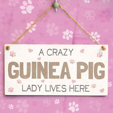 A Crazy Guinea Pig Lady Lives Here - Gorgeous Novelty Gift For Daughter & Friend