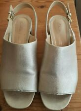 Clarks Sandals Cushion Plus Gold Sling Back Open Toe Heels Size 4.5
