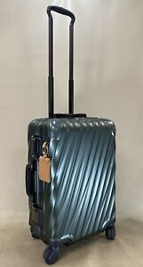 Preowned TUMI 19 DEGREE ALUMINUM International Carry-On Spinner Luggage 36860GCK