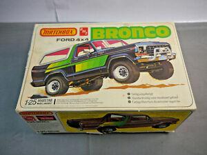 Matchbox Amt 4629 Ford 4x4 BRONCO Model Construction Set 1:25 (F18)