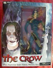 THE CROW / IL CORVO - PRE PAINTED SOFT VINYL MODEL KIT DELLA NECA - MAI APERTO