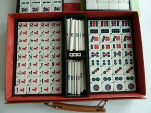 COMPLETE VINTAGE MAH JONG SET WITH INSTRUCTIONS AND CASE BAMBOO BACK PIECES