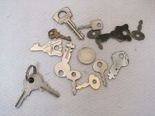 "Lot of 13 Vintage Small Keys 1 2/1"" - 1"" Jewelry Crafting Supplies Steampunk T9"