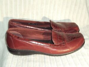 Women's Genuine Leather Shoes by Clarks Bendables-Worn a Couple Times-Sz 9 1/2 M
