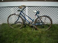 Vintage Schwinn Traveler Bicycle For Parts Or Restoration