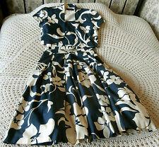 Fabulous cotton 2 piece suit by DEBUT Size 8 Blue & beige floral Dress & jacket