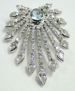 18 k White gold Diamond Aquamarine Pendant necklace VVS FG
