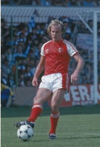 Football - Terry Yorath - Hand Signed 12x8 Photograph- Wales COA - SALE