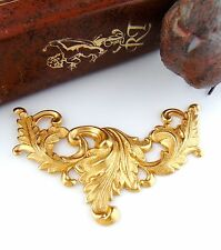 BRASS SCROLLING LEAVES - Art Nouveau Acanthus Leaf Stamping ~ Finding (FC-11)