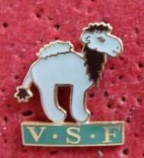 PIN'S ANIMAUX DROMADAIRE V.S.F VETERINAIRES SANS FRONTIERES VSF EGF