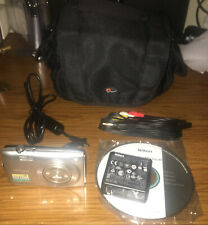 Nikon COOLPIX S3300 16.0MP Digital Camera - Silver