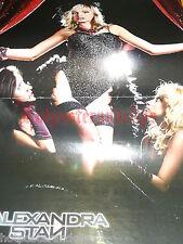 Un sexy poster Alexandra Stan WOW in reggicalze suspender per la tua collezione