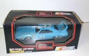 Racing Champions 1:43 Scale NASCAR Richard Petty #43 STP car - Stock Car Replica