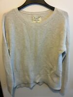 Abercrombie and Fitch Women's Grey Long Sleeve Knit Sweater Size M Light Grey