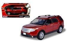 1:18 scale 2015 Ford Explorer XLT SUV (Red) Diecast Model Car by Motor Max
