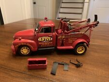Danbury Mint 1:24 scale 1953 Chevrolet 1 Ton Wrecker