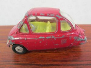 CORGI. Heinkel Trojan Economy Car. 1:43.  1962-72. Red. 233.
