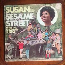 """SUSAN SINGS SONGS FROM SESAME STREET WITH THE CHILDREN'S CHORUS SPS 584 12"""" LP"""