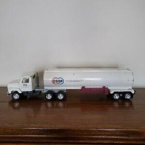 Ertl vintage metal toy Semi-trailer tanker truck, Farmland COOP label, S/N 2978