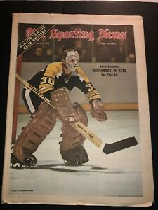 1972 Sporting News BOSTON BRUINS Gerry CHEEVERS No Label ROUGHNECK IN NETS N/Lab