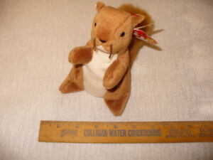 Nuts Squirrel 1996 Retired Ty Beanie Baby Collectible Nice with Tags