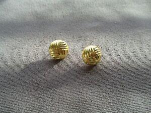 18k gold earrings wear or scrap need backs on posts 1.63 grams