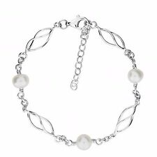Sterling Silver and Freshwater Pearl bracelet by Azendi