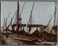 Tunisie, La Goulette (حلق الوادي), Le Petit Canal. Barques Italiennes, le pilota