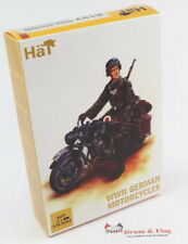 HAT 8127 WWII GERMAN MOTORCYCLE - 1:72 SCALE. Plastic figures / kit.